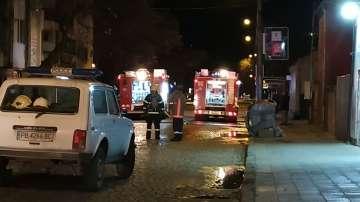 Пожар в магазин за пиротехнически изделия в Пловдив, няма пострадали