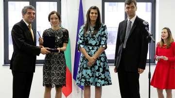 Трима носители на наградата Джон Атанасов