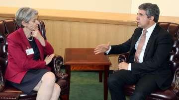 Президентът се срещна с Ирина Бокова