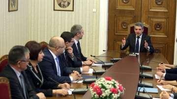 Президентът Плевнелиев се срещна с ръководствата на ДПС и БСП