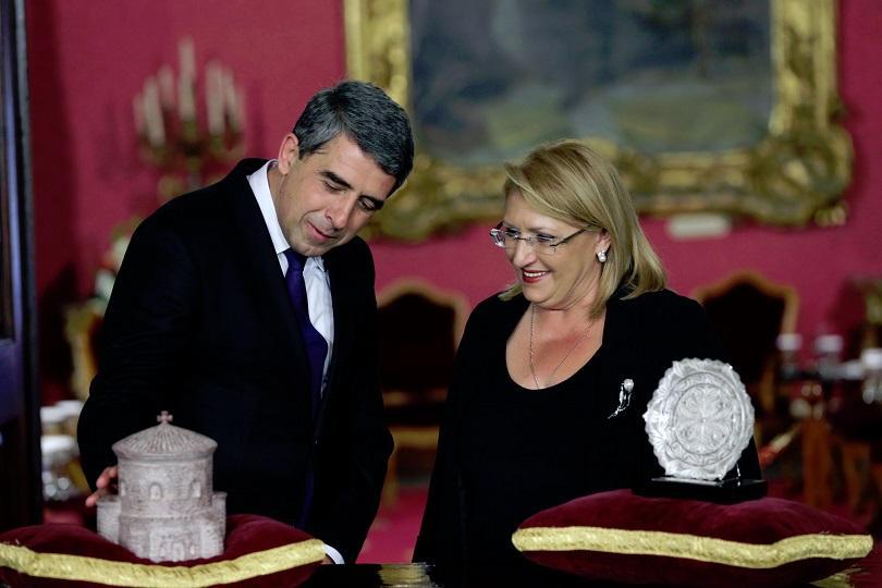 снимка 1 Росен Плевнелиев беше удостоен с орден от президента на Малта