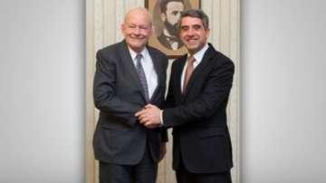 Шефът на УНИЦЕФ Антъни Лейк в България