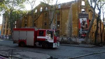 Затворени са четири улици в близост до опожарените тютюневи складове в Пловдив