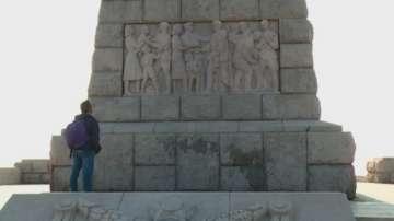 Поредна вандалска проява срещу паметника на Альоша в Пловдив