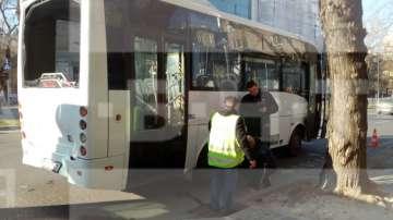 Автобус на градския транспорт блъсна 71-годишна жена в Пловдив