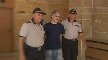 Съдът остави в ареста мъжа, обвинен за палежа на тютюневите складове