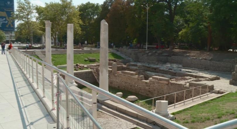 снимка 2 За Деня на Съединението: Откриват обновения площад Централен в Пловдив