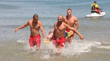 Едва 20-23% от българите могат да плуват, БЧК с безплатни курсове за най-малките