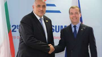 Руският премиер Медведев пристига на двудневна визита в България