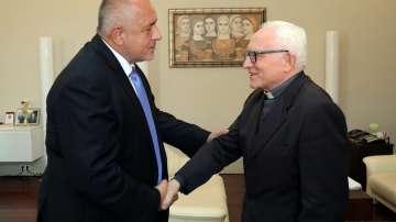 Премиерът и апостолическият нунций в България обсъдиха възможна визита на папата