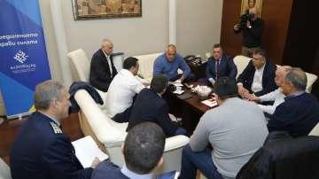 Спешна среща при премиера набеляза мерки срещу войната по пътищата