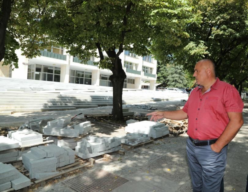 снимка 1 Борисов свиква среща с Горанов и КФН заради фалита на дружество Олимпик