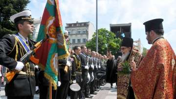 Десетки бургазлии се помолиха пред мощите на Св. Георги