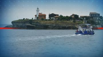 Водолази почистиха морското дъно около остров Света Анастасия
