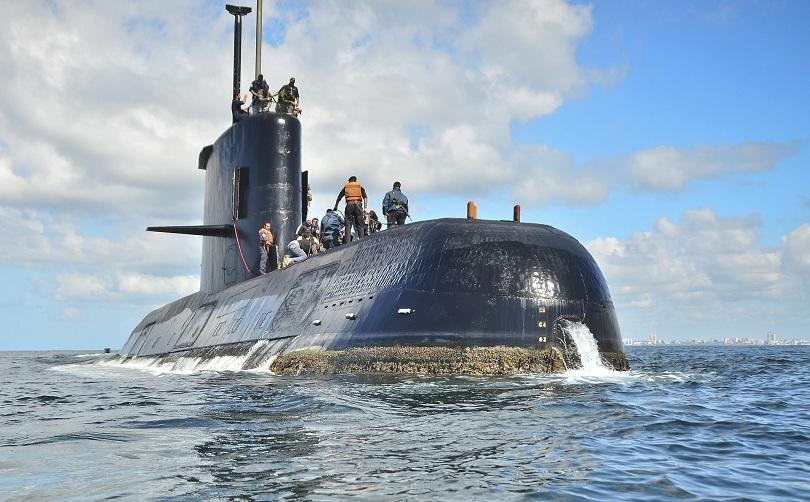 уволнен командващият аржентинските вмс заради изчезналата подводница
