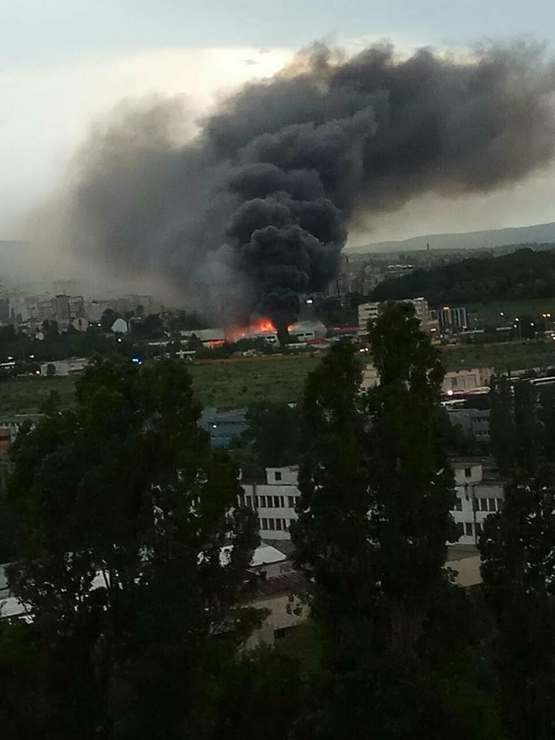 снимка 1 Пожар в жилищна сграда в Студентски град в столицата