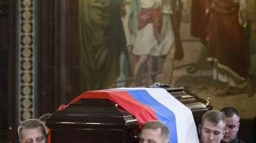 Андрей Карлов беше погребан с военни почести в Москва