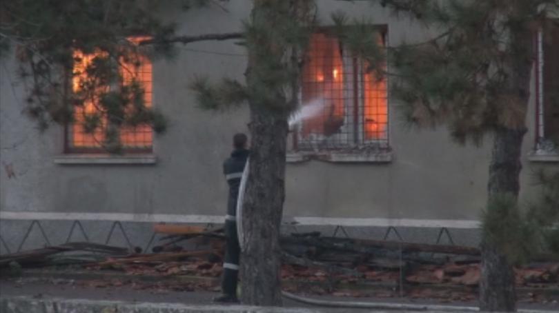късо съединение предизвикало пожара склада жандармерията бургас