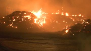 Продължава гасенето на пожара в района на ТЕЦ - Сливен