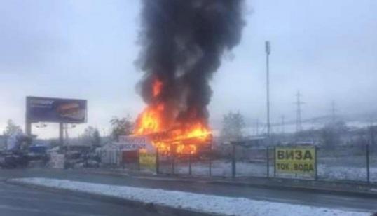Пожар горя в търговски обект на Околовръстното шосе на София.