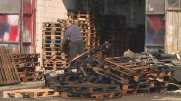 Пожар горя в складове във Варна