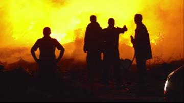 Пожар гори в незаконно сметище в Пловдив