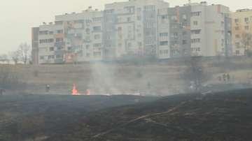 Голям пожар горя в квартал Ален мак в Благоевград