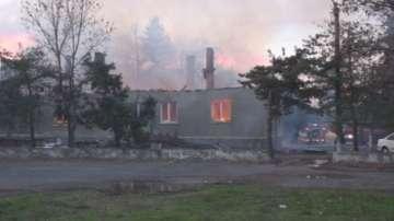 Все още не са ясни причините за пожара в склад на жандармерията в Бургас