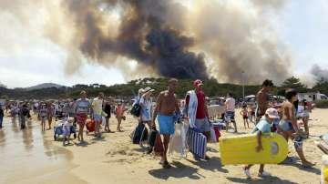 12 000 евакуирани заради пожарите в Южна Франция