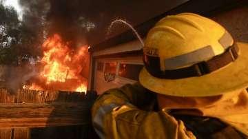 Пожарите в Калифорния се разрастват