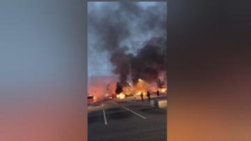 Над 100 автомобила опожарени в Швеция, властите предполагат организирана акция