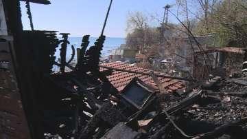 Пожар изпепели постройки в рибарско селище край Златни пясъци