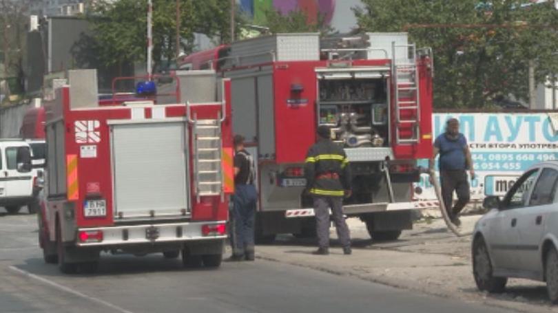 Голям пожар във варненския квартал