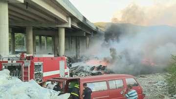 Затвориха част от АМ Струма заради пожар