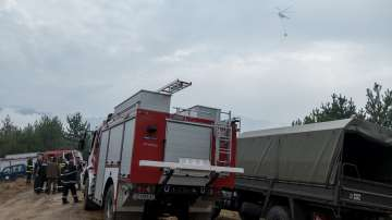 Загасен е пожарът в близост до хипермаркет във Варна