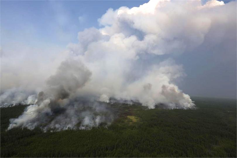 снимка 2 Продължават да горят пожарите в Сибир