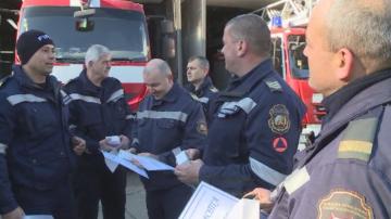Наградиха пожарникарите, гасили огъня след взрива във Варна