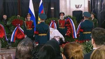 Започна поклонението пред убития в Турция посланик Андрей Карлов