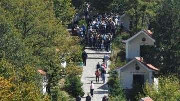 Хиляди вярващи се събират в Кръстова гора