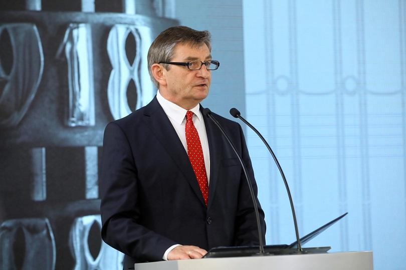 председателят полския парламент подаде оставка