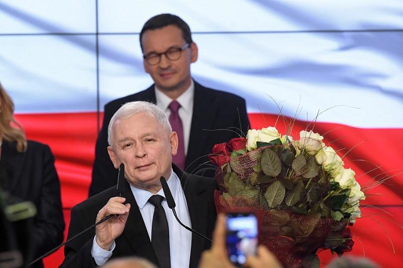 Управляващата в Полша консервативна националистическа партия Право и справедливост печели