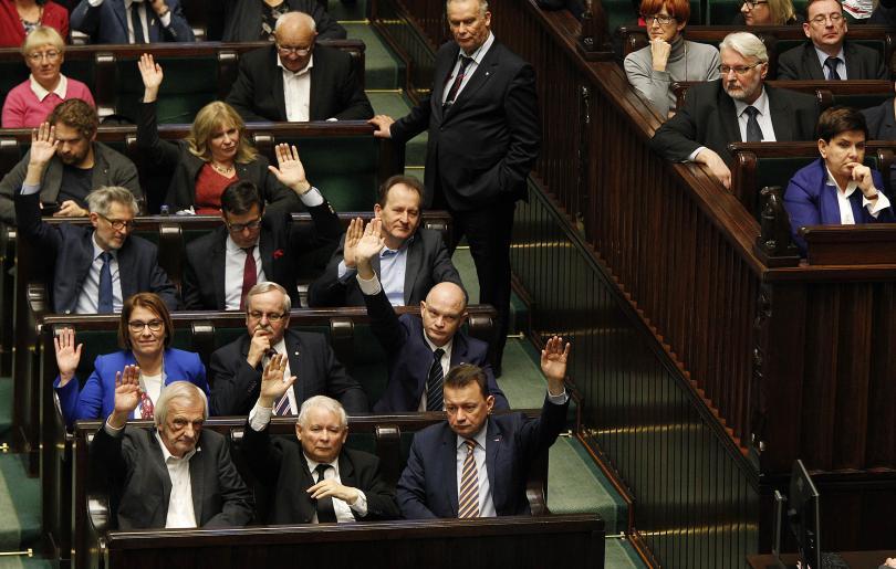 полският парламент прие закони съдебната реформа