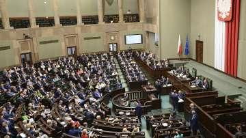 Правителството на Полша направи обрат по спорен закон за Холокоста