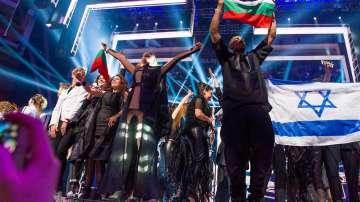 Роклята на Поли Генова на Евровизия