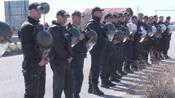 Полиция спря протестиращи тютюнопроизводители