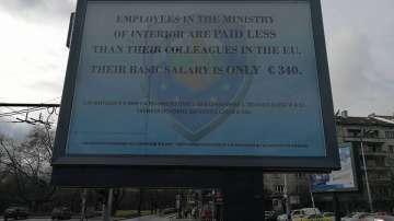 Полицаите отказват говоренето през билбордове, искат среща с премиера
