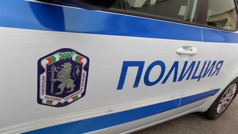 Двама полицаи са ранени при скандал пред стадион Васил Левски