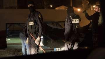 Продължава разследването на нападението във Франция