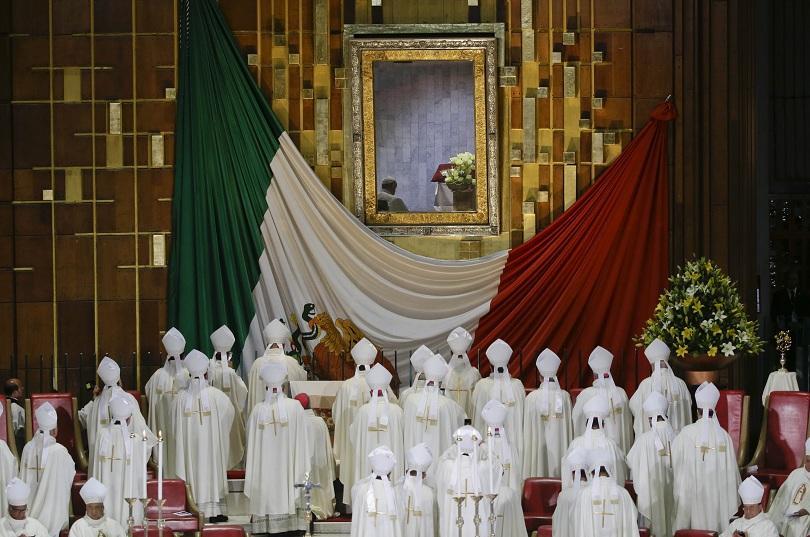 хиляди приветстваха папа франциск базиликата мексико