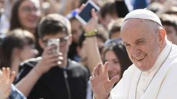 Последни дни на подготовка преди визитата на папа Франциск у нас